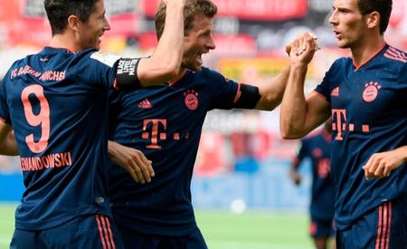 本赛季仅三家俱乐部仍可能拿下三冠王:拜仁、尤文、巴黎