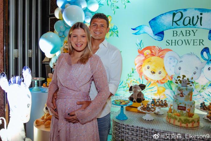 艾克森宣布第二个孩子即将在中国出生:我又要做爸爸了