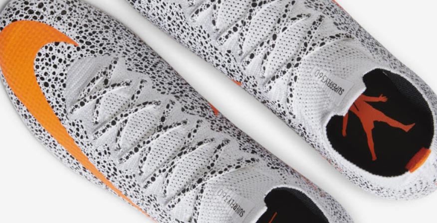 耐克发布C罗雪豹战靴十周年纪念款,迷你罗10岁当天全球市售
