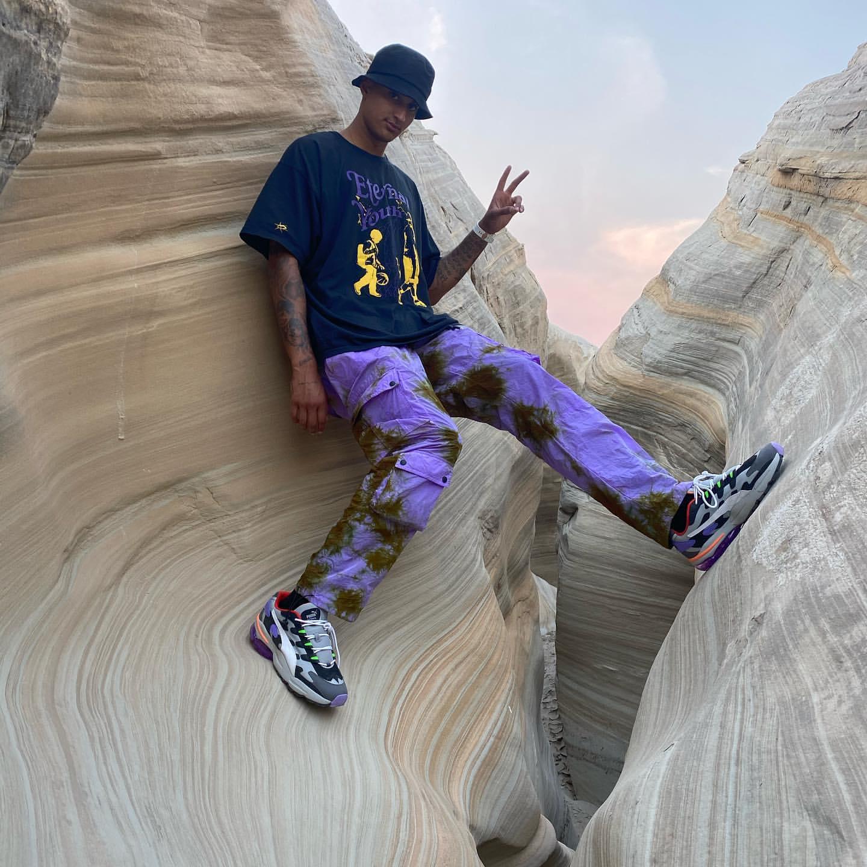 亚搏官方网站-亚搏全站-挑战岩壁!库兹马晒登山远足照:过好你的人生