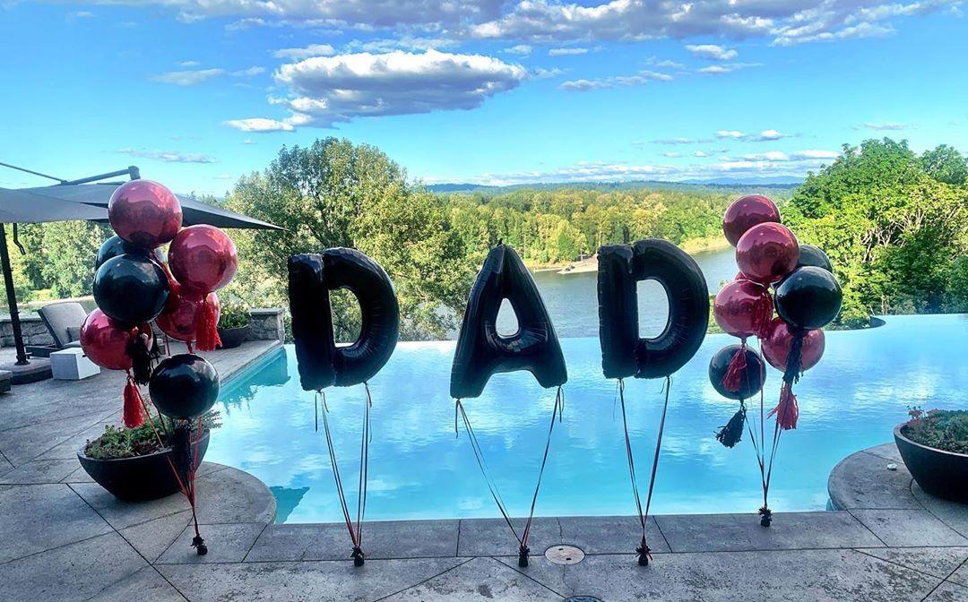 利拉德晒照祝贺父亲节:世界上最益的做事