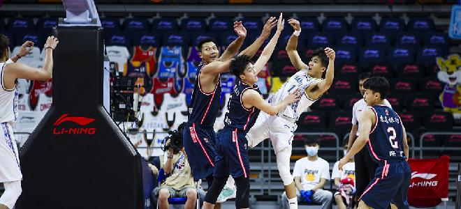 广东半场领先江苏35分,创本赛季CBA上半场最大分差
