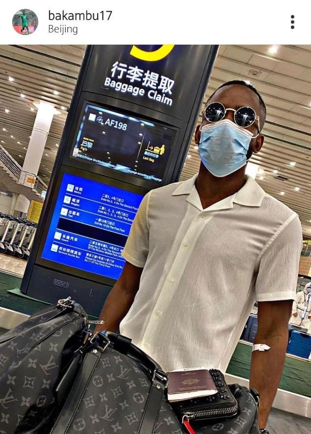 他来了!巴坎布晒照抵达中国:Hello Beijng