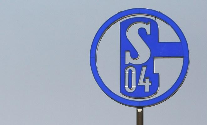 最高250万!德媒:沙尔克成第一支引入工资帽的德甲球队
