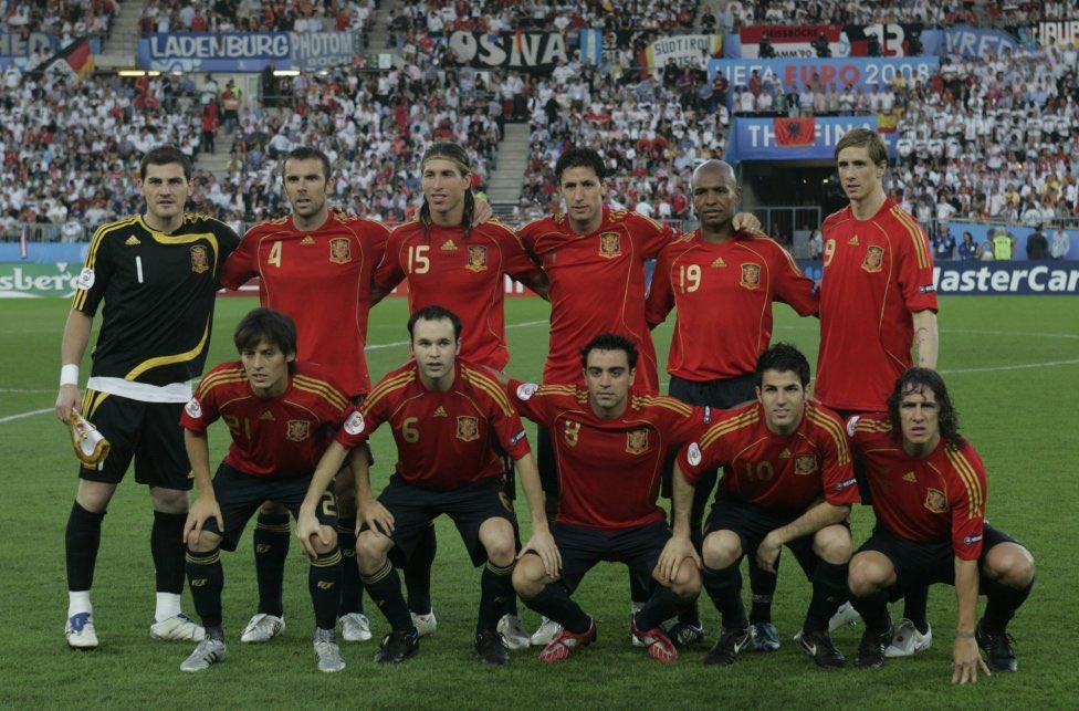 西班牙08年欧洲杯夺冠12周年!卡西,托雷斯、D席发文纪念