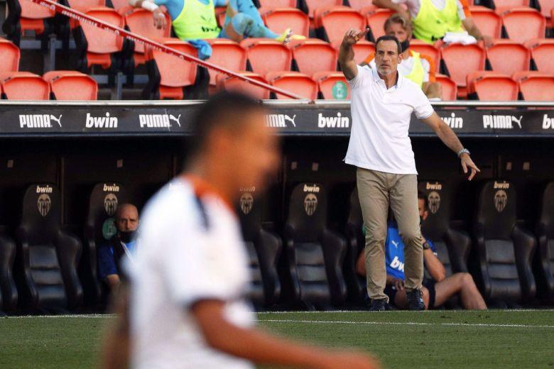 换帅难阻颓势!瓦伦西亚3连败跌至第10落后欧冠区11分  足球话题区