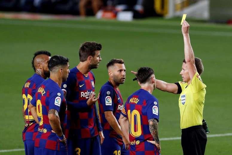 每体:巴萨7人深陷黄牌危机,迎战黄潜若染黄将缺席对阵西班牙人  足球话题区