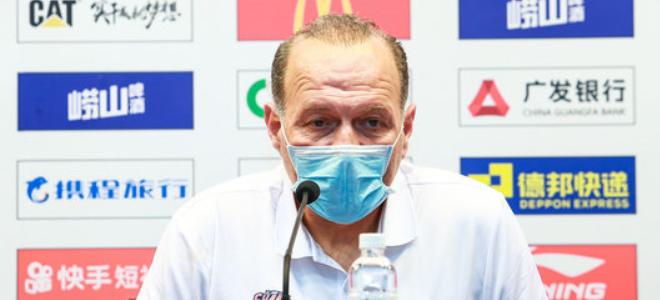 马诺斯:罗旭东已回上海康复,打广东以锻炼年轻球员为主