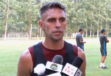 伊沃:对新教练组有信心,要向建业球迷展现精彩的赛季