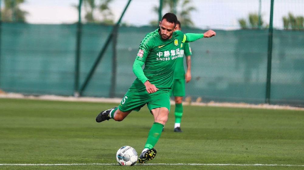 记者:奥古斯托费尔南多抵达上海,理论可出战联赛首轮