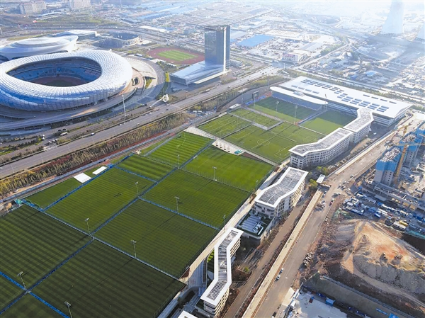 连媒:足球是太阳,承办中超会让大连拥有更美好未来