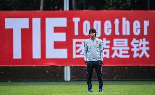 黄健翔谈美团CEO言论:踩中国足球似乎是种捡便宜的噱头