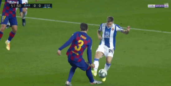 GIF:10打10!洛萨诺踩踏皮克犯规,同样被判红牌罚下