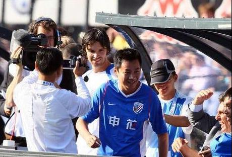 申花总经理周军、前申花老板朱骏报名上海足球甲级联赛