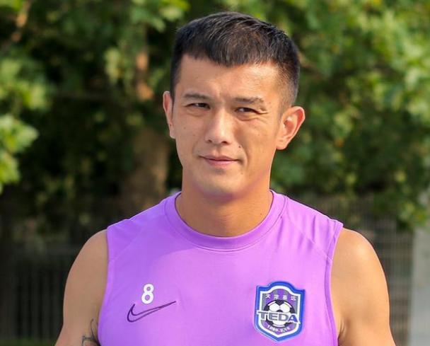 德转:天津泰达免签引进肖智、钱宇淼两名球员