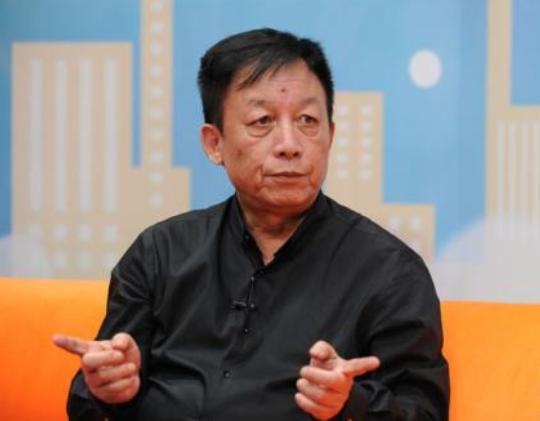 黄健翔转发易中天旧文:中国教育不见得比足球更有希望
