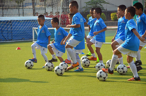 解说唐晖:中国足球的糟糕现状,正因为足球脱离了教育