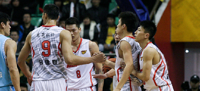 主教练杜锋领衔,多名广东队成员两度经历连胜纪录诞生