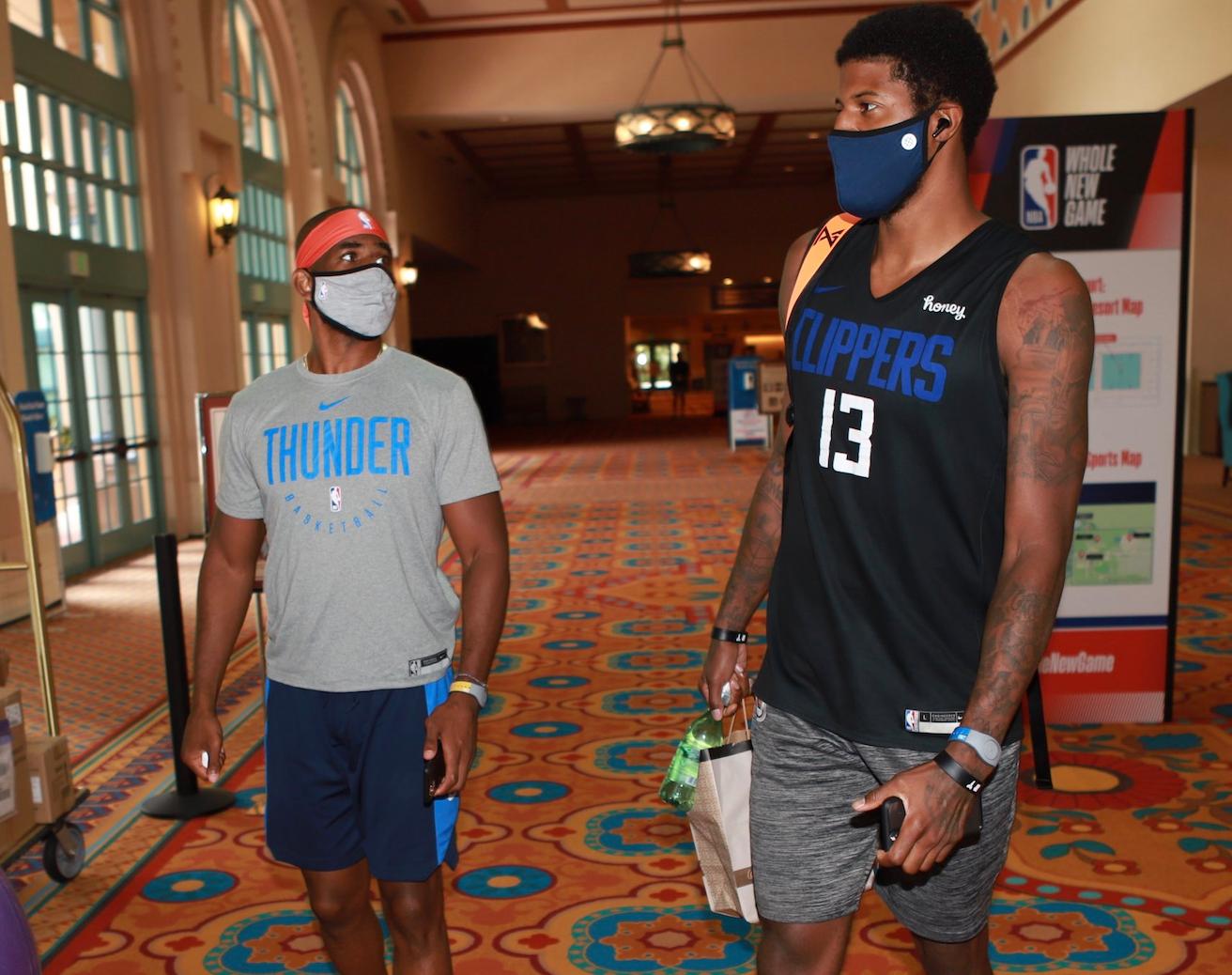 NBA官推晒出克里斯-保罗与乔治合影:克里斯-保罗-乔治