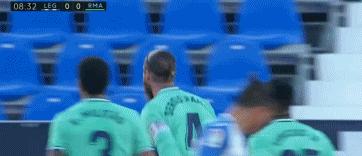 GIF:伊斯科任意球开出,拉莫斯头球破门,皇马客场1-0