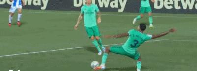 GIF:皇马后场失误,阿萨尔破门得分,莱加内斯2-2再追平