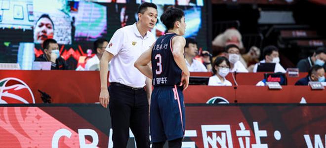 胡明轩:杜导鼓舞年青球员要有自傲,出了机遇就大胆投