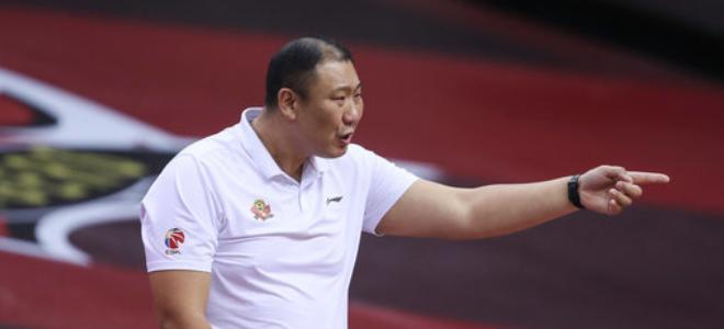 王晗:姜宇星是球队重要一环,目前把主要能量留在季后赛