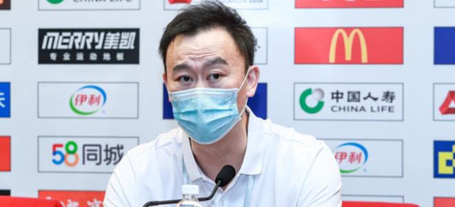 刘维伟:不清楚季后赛对手是谁,只能轮换上让更多人打球