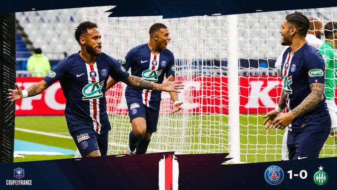 GIF:姆巴佩射门被扑内马尔补射建功,巴黎首开纪录