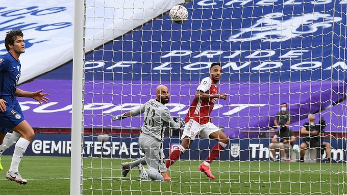 GIF:拉卡泽特助攻奥巴梅扬梅开二度,阿森纳反超比分