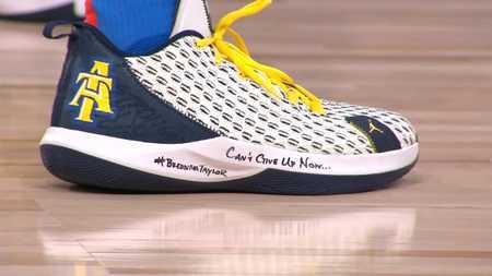 今日球鞋:保罗上脚CP3 XII,詹姆斯上脚LeBron 17 Low
