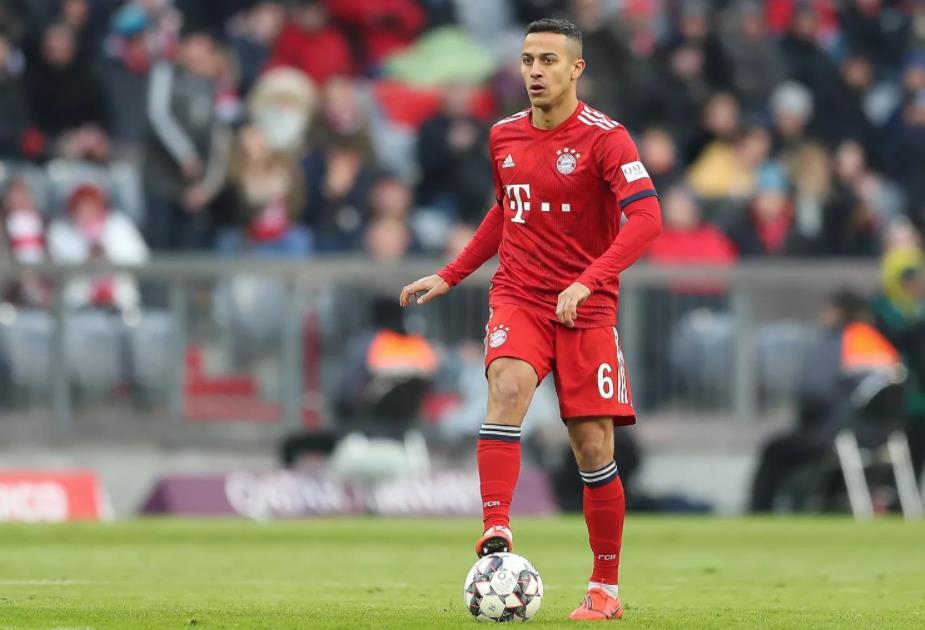 踢球者:虽然已一只脚迈出拜仁,但弗里克仍在款留蒂亚戈
