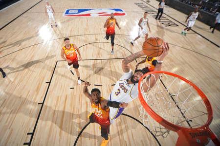 沃格尔盛赞戴维斯:戴维斯是NBA中最具天赋的防守者