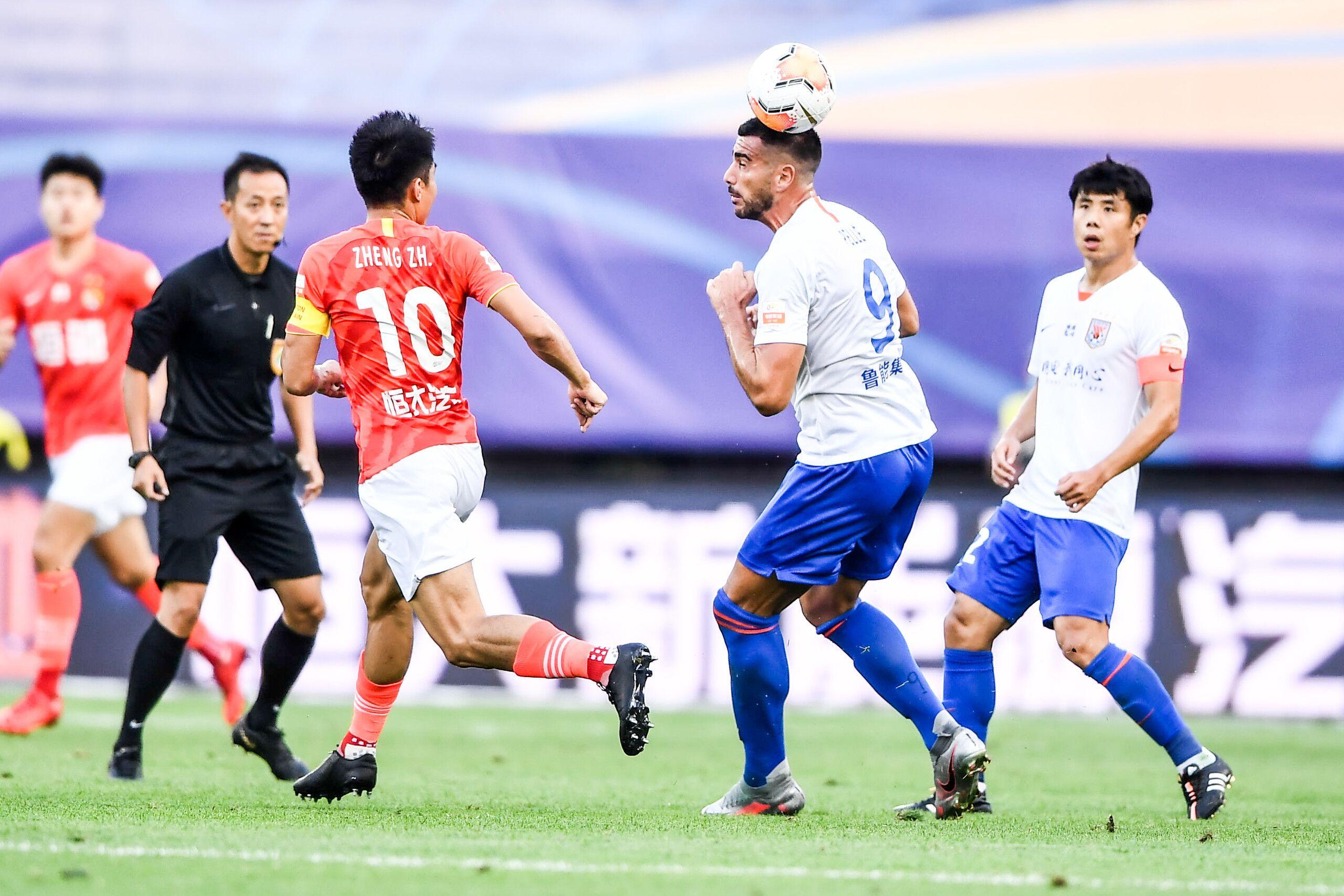 郭田雨替补建功,恒大赛季首败0-1负鲁能