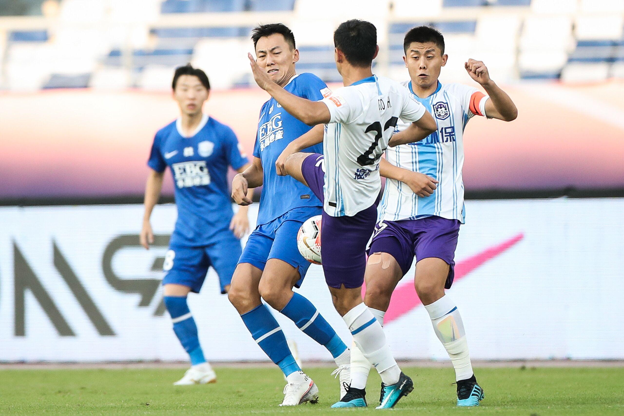 半场:钟纪宇中超处子球,永昌1-0泰达