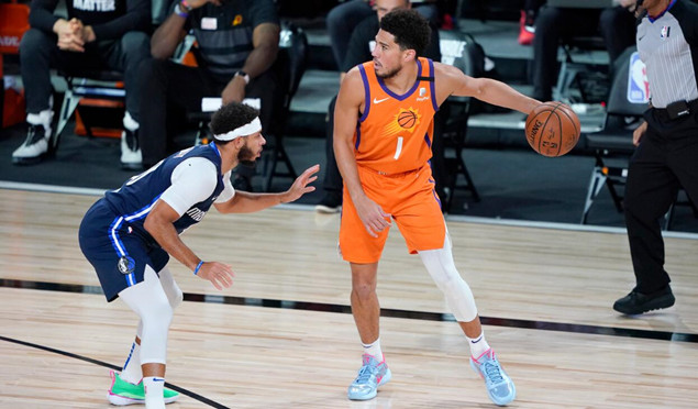 布克:作为篮网超级粉丝,我会给泰勒-约翰逊打
