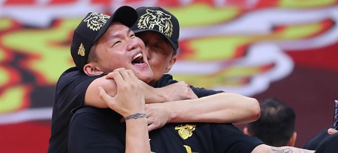 朱芳雨:击战败京后的淡定是伪装的,冠军献给抗疫人员
