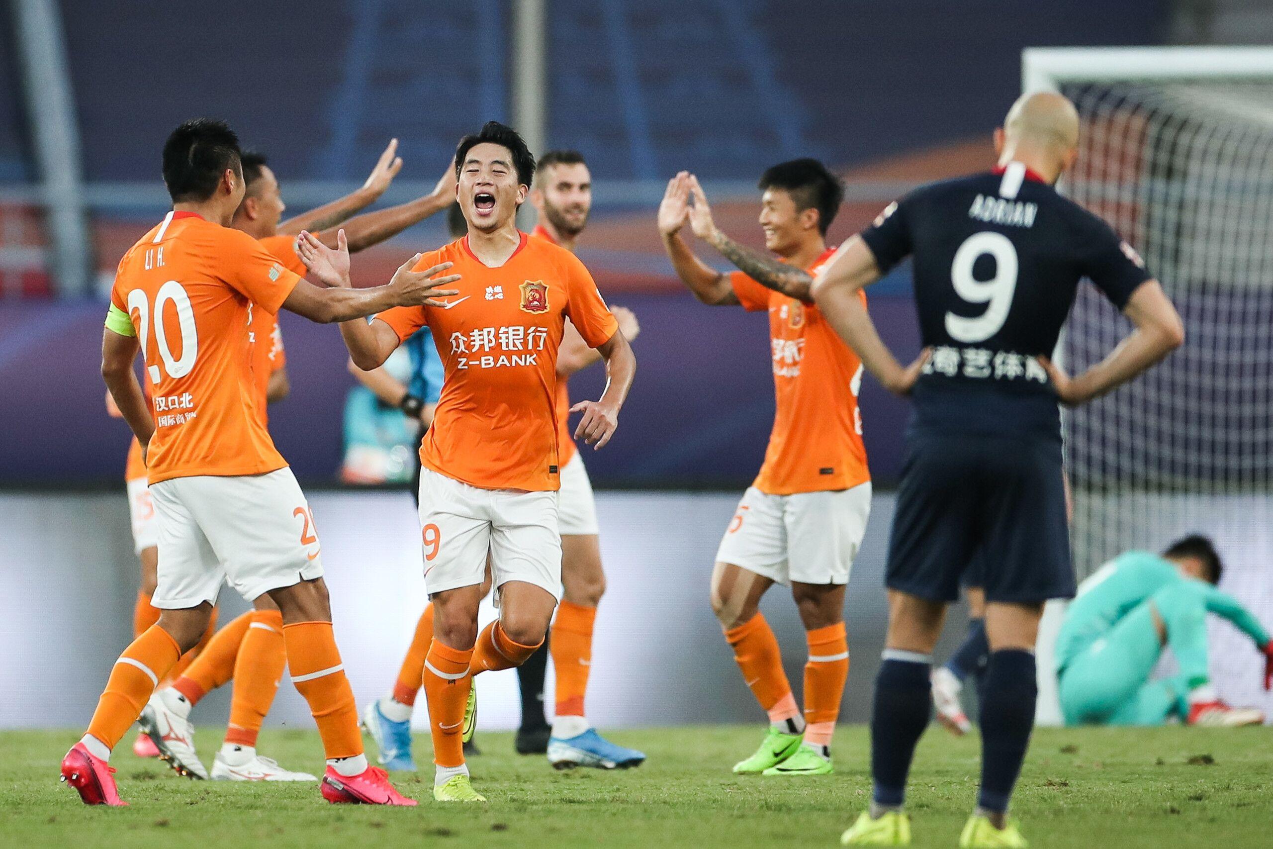 半场:胡靖航破门西里诺失良机,卓尔1-0重庆