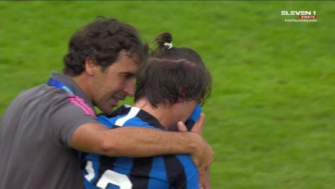 皇马U19淘汰国米,劳尔赛后先安慰对手球员,赢得赞许