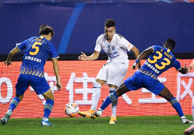 沪媒:根据FIFA新规,申花可拒绝放行沙拉维踢欧国联