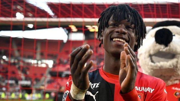 德尚:卡马文加非常年轻,但他完全有实力入选法国队