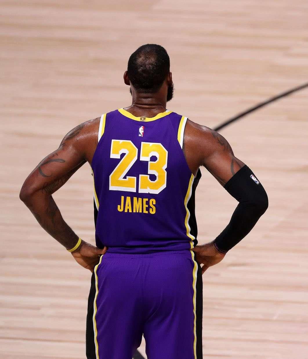 csgo下注詹姆斯过去7轮系列赛G1输掉6场,但前6轮赢下4次_csgo下注NBA新闻