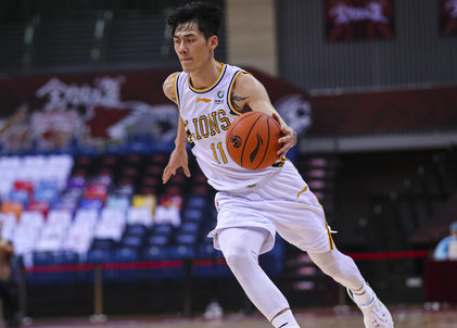 官宣:刘铮、何重达加盟上海男篮,两人均签下3年合同