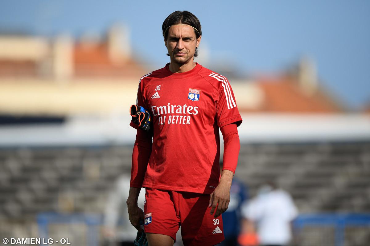 官方:AC米兰签下里昂门将塔塔鲁萨努,转会费50万欧元