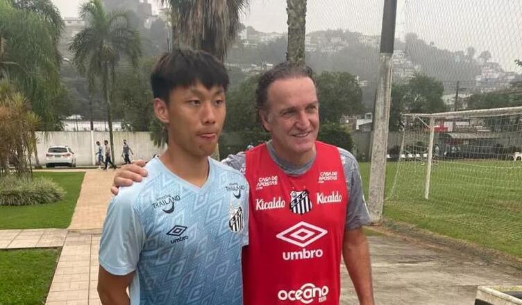 巴媒:国安青训球员肖俊龙加入巴甲桑托斯U20梯队 第1张