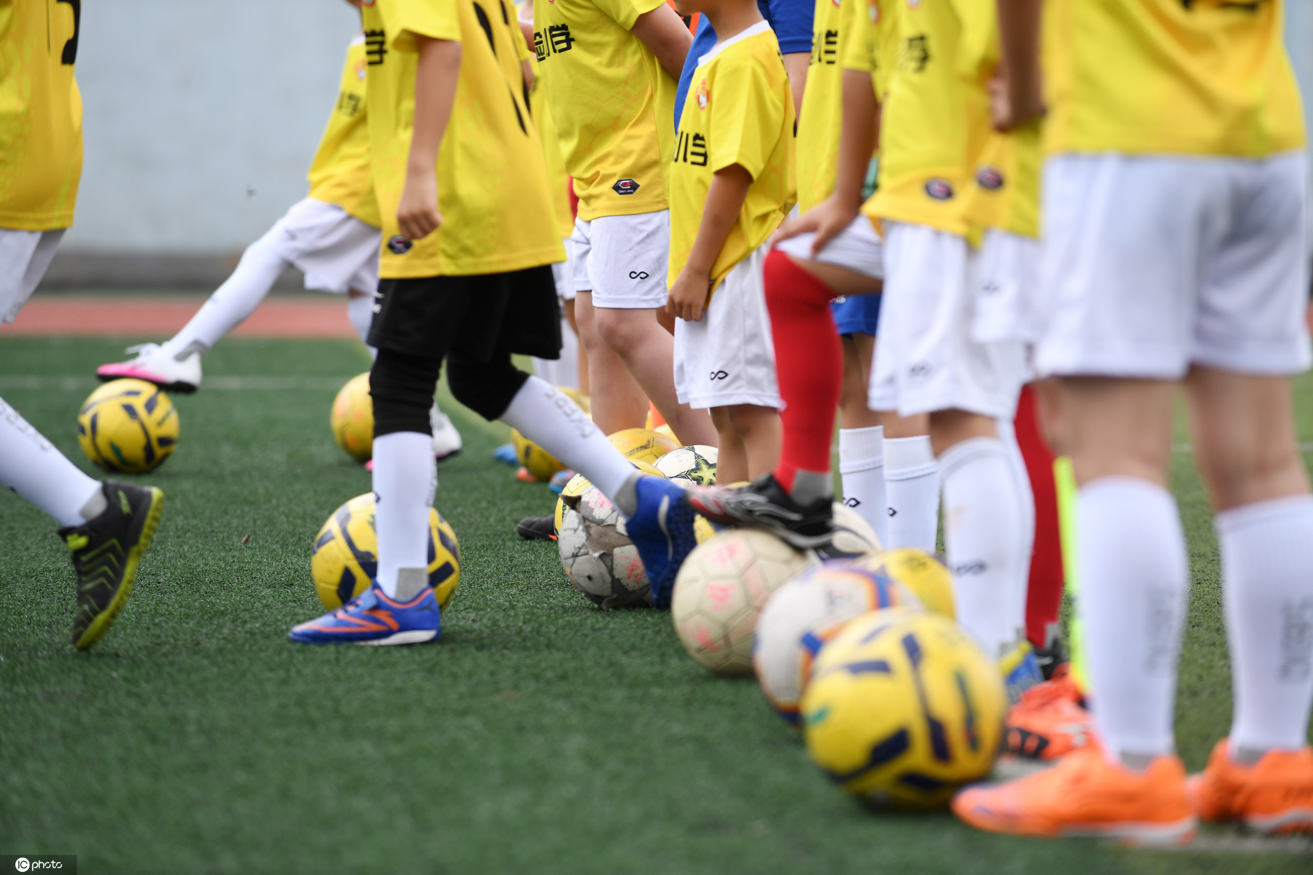 新华社:全国校足办印发《3-6岁儿童足球活动负面清单》 第1张