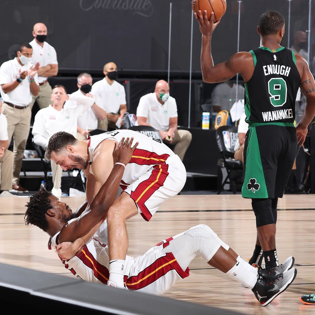 NBA下注网德拉季奇晒照庆祝胜利:我们的救星@阿德巴约_NBA下注网NBA新闻