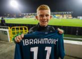 米兰欧联杯对手前锋赛后向伊布要球衣 送给自己的儿子