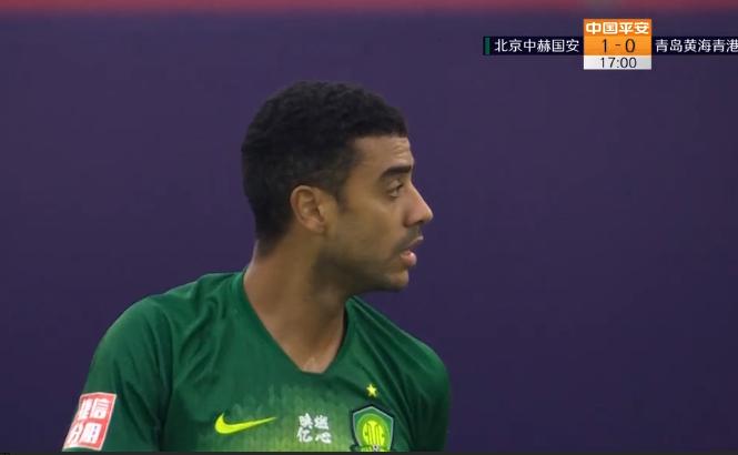 GIF:duangduang两个门柱,阿兰运气不佳与进球失之交臂
