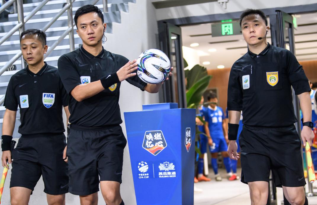 今日裁判安排:唐顺齐郭宝龙本赛季首次担任联赛主裁判